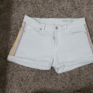 GAP White Embroidered Jean Shorts